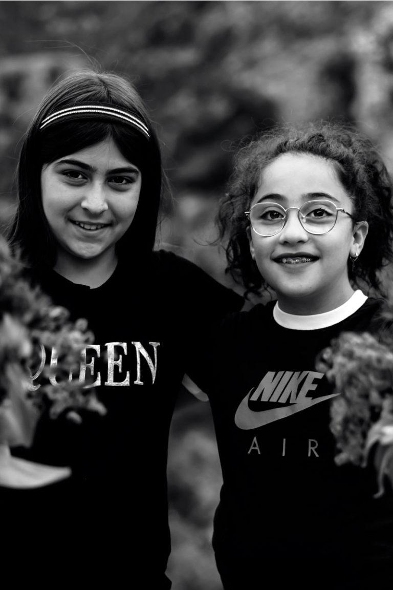 ragazze_fiori